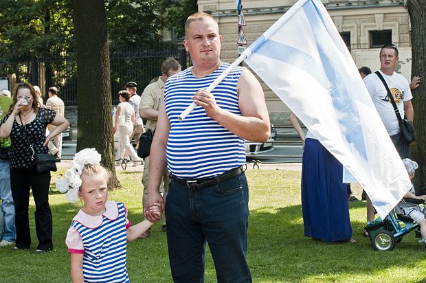 Фоторепортаж: День Военно-морского флота в Петербурге. Изображение № 23.