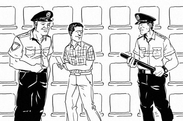 Как всё устроено: Перекупщик билетов на Евро — о взятках, милиции и доходе. Изображение №2.