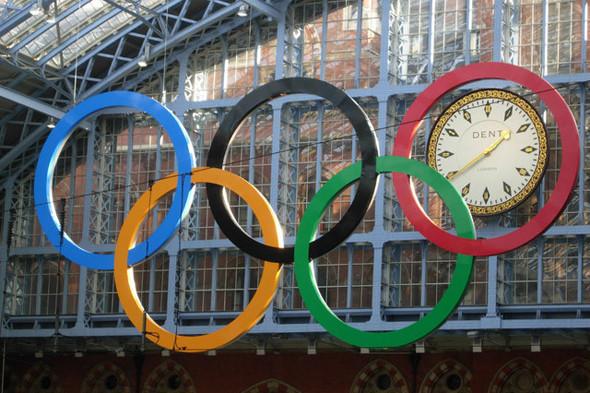 Олимпийские кольца на вокзале Сент-Панкрас. Изображение № 8.
