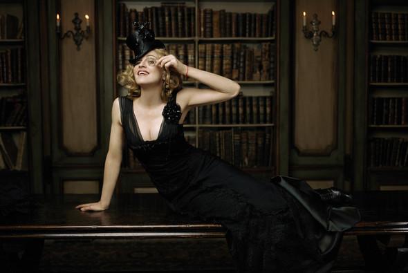 Мадонна, фотография Лоренцо Аджиуса. Изображение № 2.