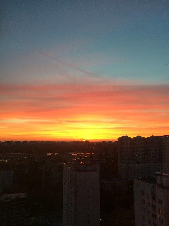 Осенний закат вМоскве. Изображение № 11.