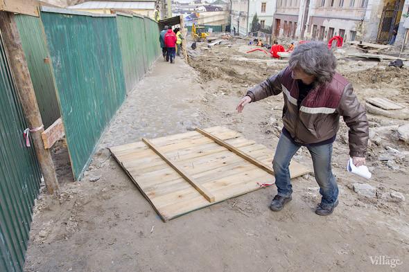 Фоторепортаж: На Андреевском спуске снесли здание XIX века. Зображення № 23.