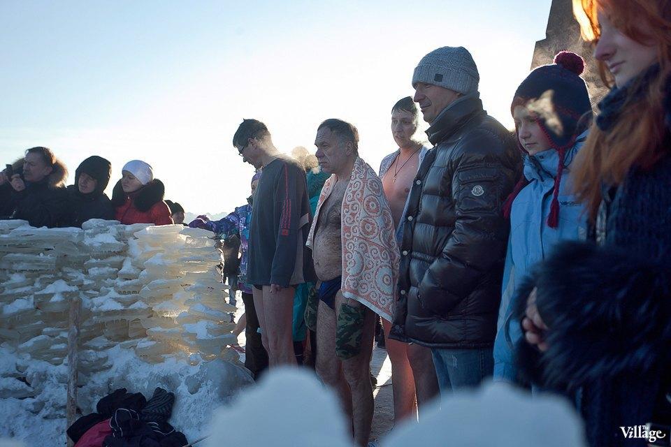 Люди в городе: Ныряльщики на Крещение. Изображение № 3.