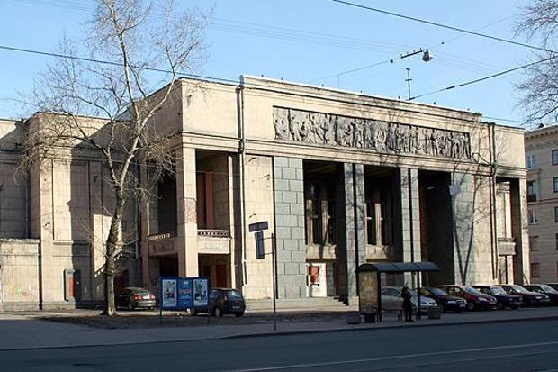 Так сейчас выглядит пустующее здание кинотеатра «Москва». Изображение № 1.