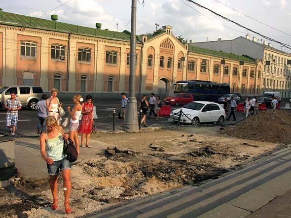 Свежая укладка: как асфальт меняют на плитку в Москве. Изображение № 4.