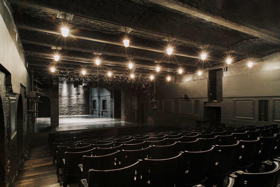 «Студия театрального искусства» вздании бывшей фабрики. Изображение № 23.