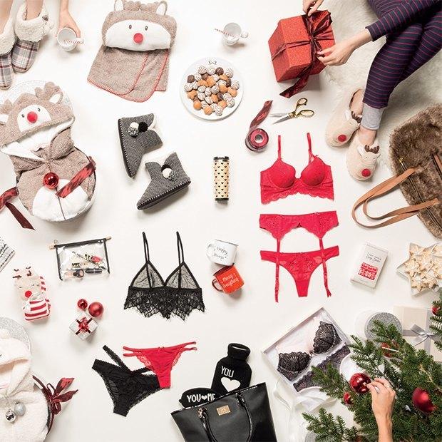 Пижама, плед и деревянный вигвам: что дарить на Новый год. Изображение № 5.