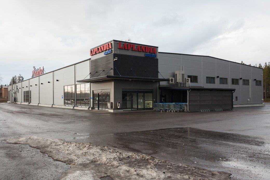 Супермаркет «Лапландия» на границе с Россией. Недавно он закрылся. Изображение № 49.