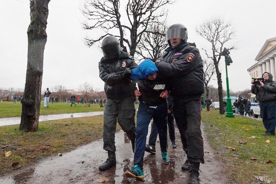 Фоторепортаж: День народного единства вПетербурге. Изображение № 15.
