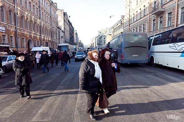 Фоторепортаж: Митинг в поддержку Путина в Петербурге. Изображение № 9.