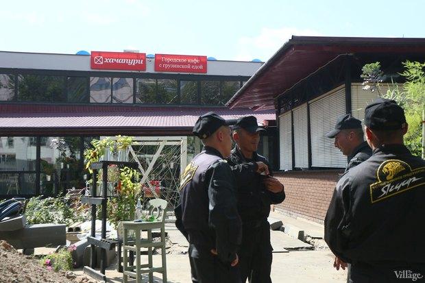 Фото дня: Что происходит укафе «Хачапури». Изображение № 13.