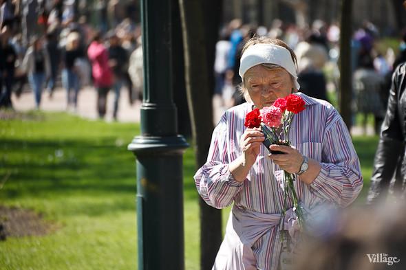 День Победы в Москве и Петербурге: Как гуляют и о чём вспоминают ветераны 9 Мая. Изображение № 74.