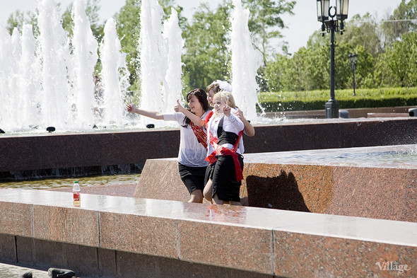 Изображение 16. Фоторепортаж: Последний звонок в Москве.. Изображение № 4.