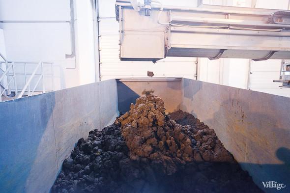 Водоканал пытается найти пункты сбыта для осадка, поскольку его можно использовать при производстве тротуарной и керамической плитки. Изображение № 54.