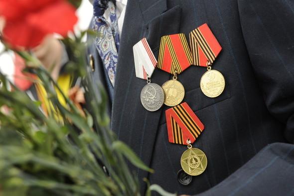 День Победы в Москве и Петербурге: Как гуляют и о чём вспоминают ветераны 9 Мая. Изображение № 11.