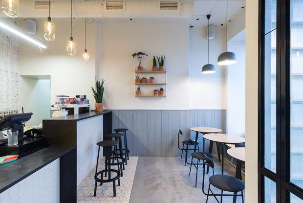 Нанабережной Макарова заработала кофейня «Радости». Изображение № 3.