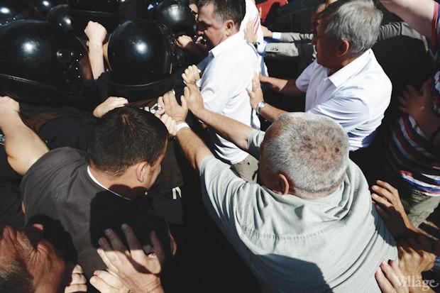 В свою очередь митигующие начинают движение в направлении «Беркута. Изображение № 30.