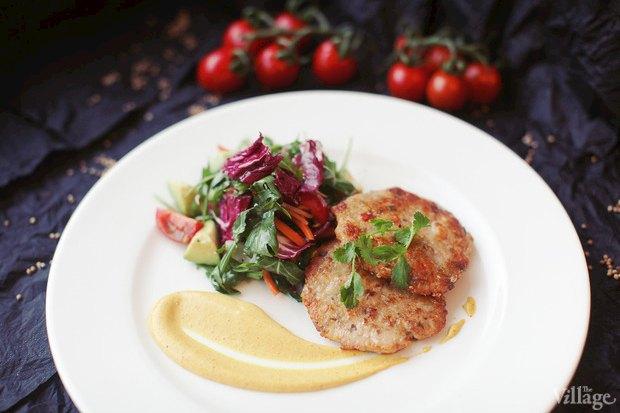 Рецепты шефов: Тайские котлетки из сибаса, креветок и кальмаров. Изображение №3.