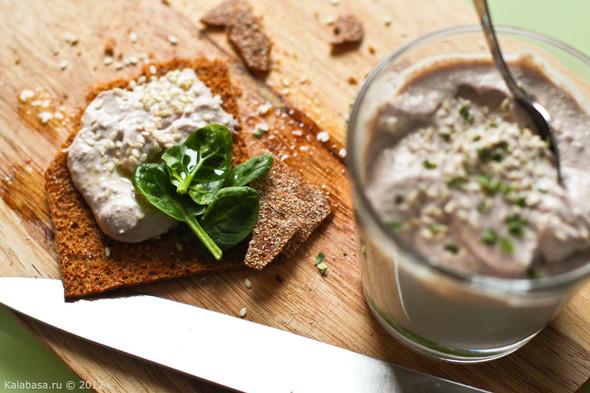 Постная намазка из тофу и грецких орехов. Изображение № 11.