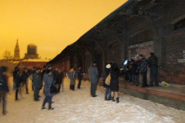 ОМОН разогнал оккупантов пакгауза на Варшавском вокзале. Изображение № 4.
