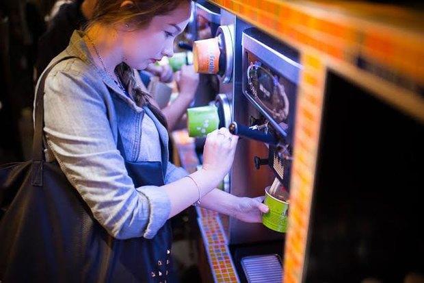 В «Золотом Вавилоне» на проспекте Мира открывается кафе Tutti Frutti. Изображение № 1.