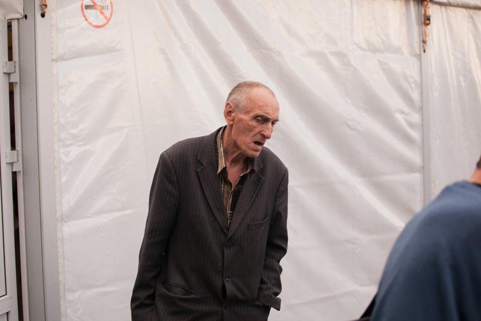 """«Операция """"Ы"""" и другие приключения Шурика» в летнем кинотеатре для бездомных. Изображение № 8."""