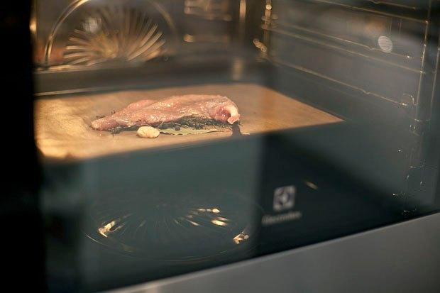 Шеф дома: Котлета из цесарки и пирог-галета Дениса Крупени. Изображение № 29.