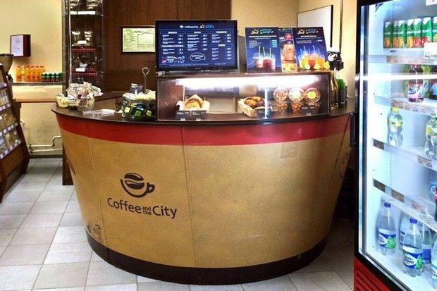 Upside Down Cake в «Метрополисе», совместное пространство «Чёрного» иFOTT, кофейня GagaGagapella. Изображение № 5.
