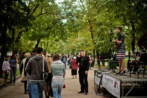 Универсальное поздравление: День города на московских улицах. Изображение № 16.