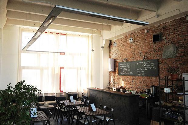 В центре графического дизайна Make It открылось кафе. Изображение №1.
