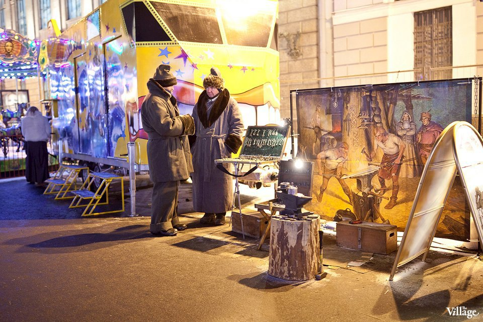 Люди в городе: Продавцы рождественской ярмарки на Островского. Изображение № 37.
