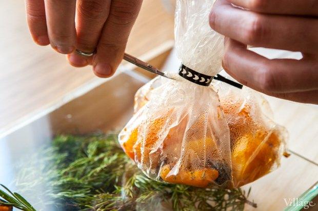 Утиная ножка с апельсиновым соусом, запеченными бататом и тыквой с еловыми шишками — 820 рублей. Изображение № 22.