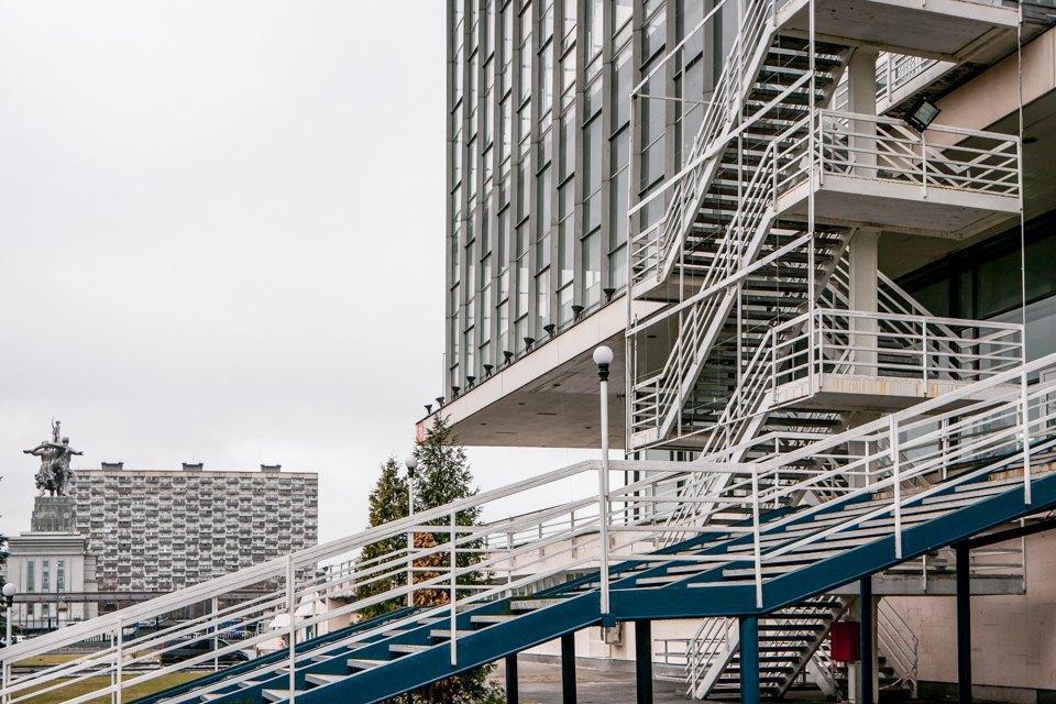 Архитектор Андрей Стенюшкин— омонреальском павильоне наВДНХ. Изображение № 11.