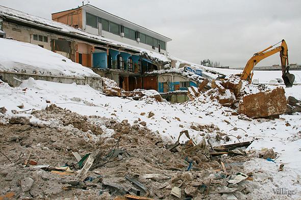 Стадион в январе 2011 года, фоторепортаж The Village «На последнем дыхании». Изображение № 9.