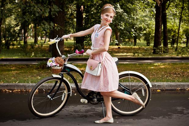 Люди в городе: Участницы парада «Леди на велосипеде». Изображение №46.
