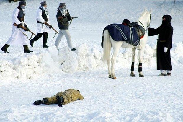 В Петербурге реконструируют битву Афганской войны с БТР и конными караванами. Изображение № 3.