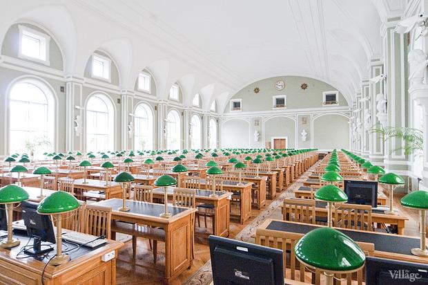 Читальный зал на площади Островского. Изображение №1.