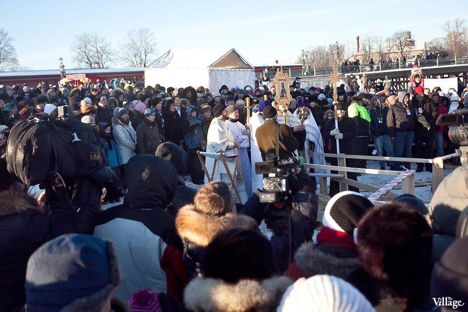 Люди в городе: Ныряльщики на Крещение. Изображение № 13.