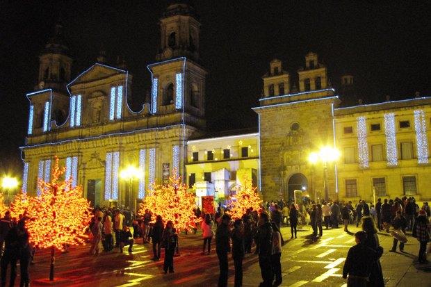 Как у них: Что делают в новогоднюю ночь жители Индонезии, Польши и Колумбии. Изображение № 24.