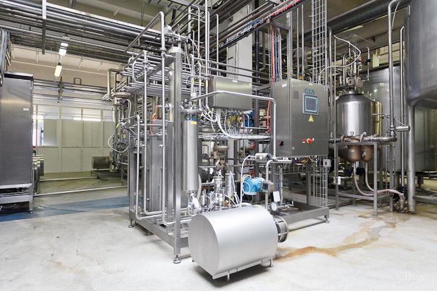 Фоторепортаж: Как делают йогурты на молочном заводе. Изображение № 29.