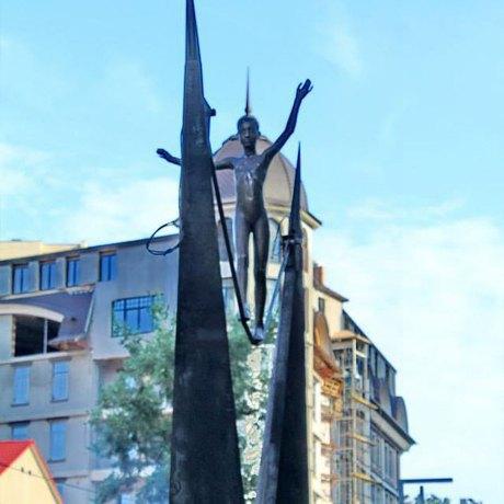 Фото дня: В Киеве появилась новая скульптура. Зображення № 2.
