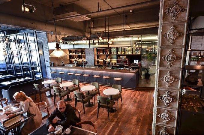НаНевском проспекте заработало кафе Avenue55 . Изображение № 3.