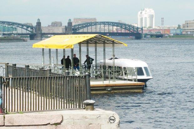 Трамвай из Рыбацкого в Купчино, утренние аквабусы и обыски в Комитете по культуре. Изображение № 2.