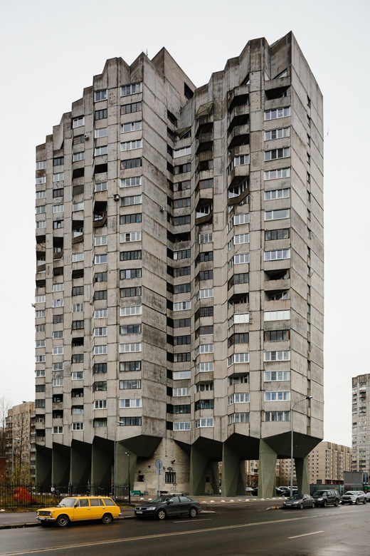 Как живётся всамых необычных домах Москвы иПетербурга. Изображение № 2.