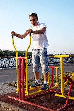 Через «Красивый Петербург» можно оборудовать двор тренажёрами. Изображение № 1.