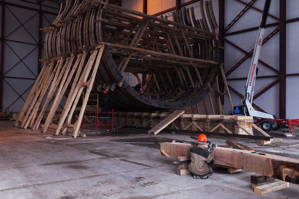 Как вПетербурге строят корабль петровского времени. Изображение № 6.