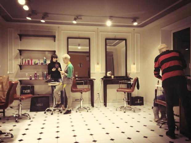 На Патриарших прудах открылась женская парикмахерская Annie Hall. Изображение №1.