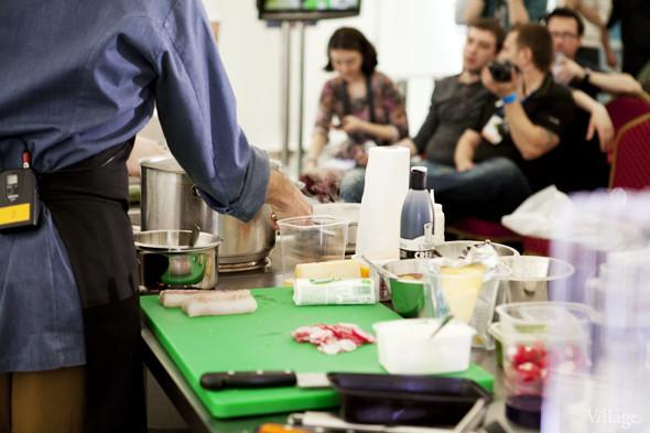 Omnivore Food Festival: Илья Шалев и Алексей Зимин готовят три блюда из редиса и черемши . Изображение № 9.
