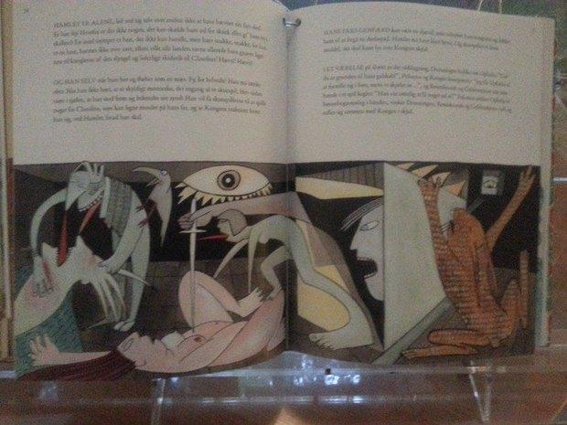 Издание «Гамлета» с откровенными иллюстрациями изъяли с детской выставки. Изображение № 2.