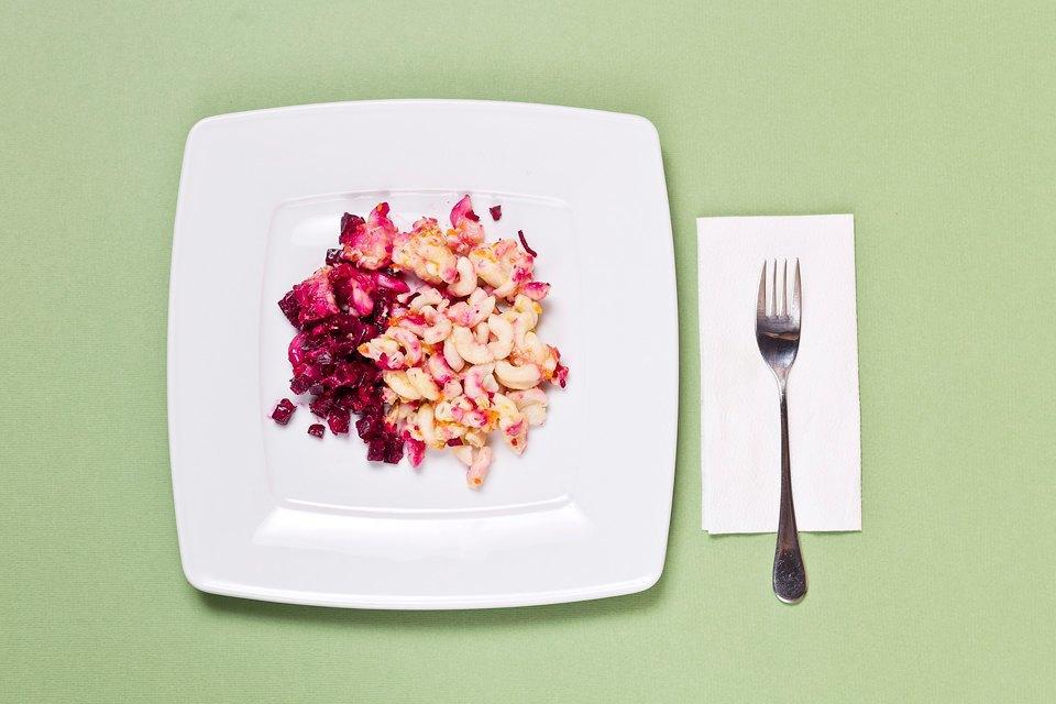 Макароны, сосиски, майонез: Чем кормят вмосковских школах. Изображение № 4.